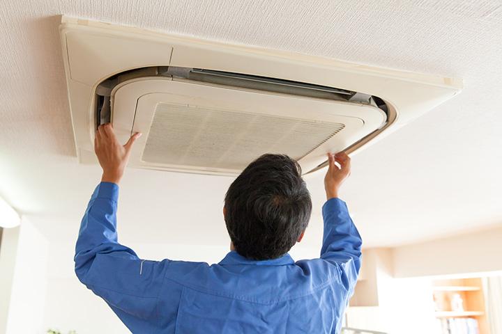 エアコンの取り付け 天井埋め込み型