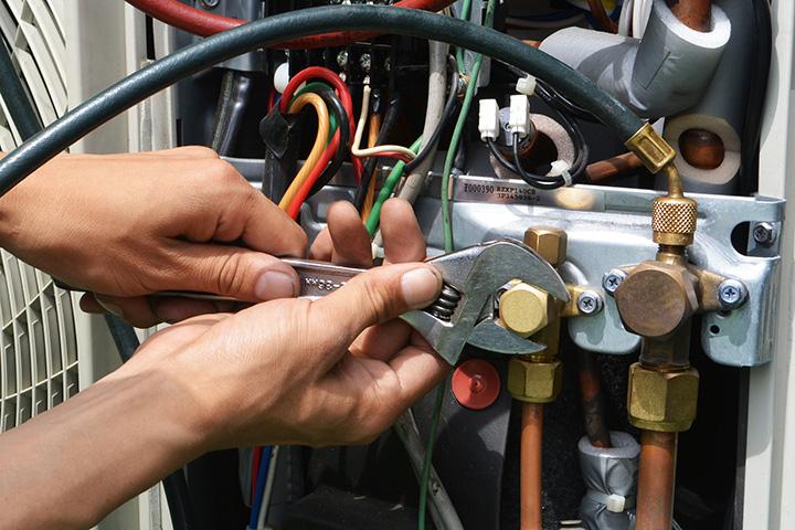 エアコンのガス漏れ調査改修